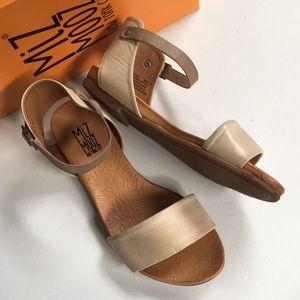 NIB Miz Mooz leather sandals